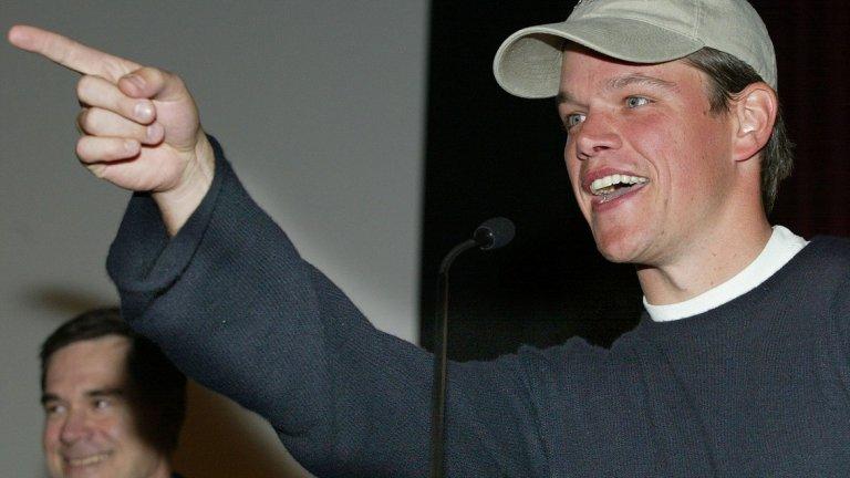 Мат Деймън преди (2002 г.).
