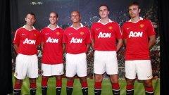 Димитър Бербатов бе част от петте звезди, които представиха новите екипи на Манчестър Юнайтед