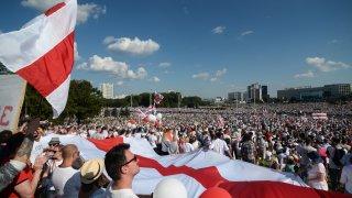 Беларуският президент се зарече, че няма да позволи нови избори, нито НАТО да заплашва сигурността в страната