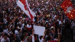 """Протестите далеч не са само тук - от Сърбия през Унгария до Полша и Беларус, това лято ще се помни заради двете големи """"П"""""""