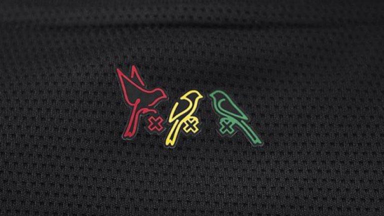 Защо УЕФА махна трите малки птички от екипа на Аякс