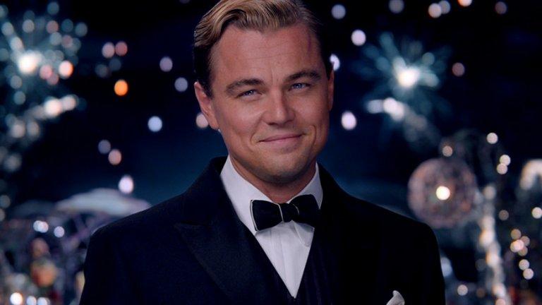 """Леонардо ди Каприо   Той не спасява вярата ни в доброто кино само защото е в """"Генезис"""" или """"Великия Гетсби"""""""" Когато стане въпрос за ролите му, Ди Каприо просто проявява безпощаден перфекционизъм.   Може да яде суров черен дроб, да е в ледени води часове наред, да кърви пред камерата съвсем не на шега и да импровизира, да повтаря една и съща сцена десетки пъти, докато се получи. Ди Каприо е професионалист, с какъвто и проект да се захване."""