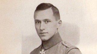 Ернст Юнгер - уникалният войник и германец, разпалил световните войни с писалка