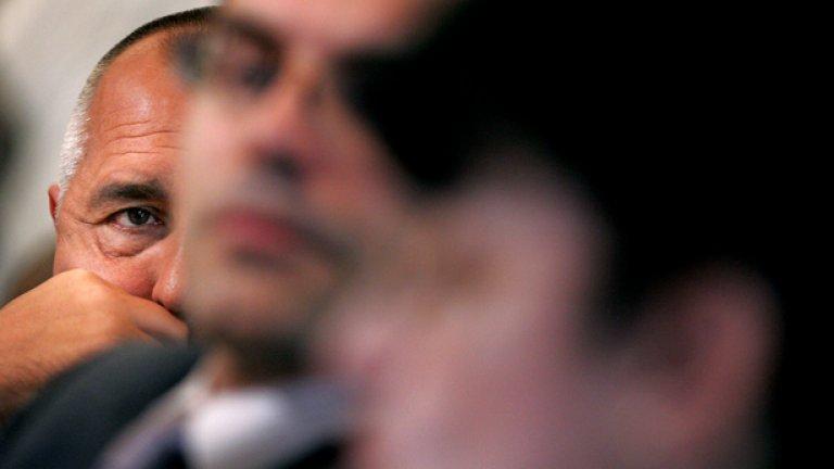 Окото на Бойко Борисов не изпуска нищо - мерките са леви, ама пък след тях започват десни реформи...