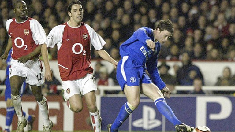 """Уейн Бридж Още един дебютант за Челси от средата на август 2003-та. Един от великите му моменти като играч на """"сините"""" бе победният гол срещу Арсенал на """"Хайбъри"""", който изхвърли """"топчиите"""" на четвъртфиналите в Шампионската лига. Бридж не бе след любимците на Моуриньо и напусна, присъединявайки се към Манчестър Сити. Отказа се през 2014-а след сезон в Рединг."""