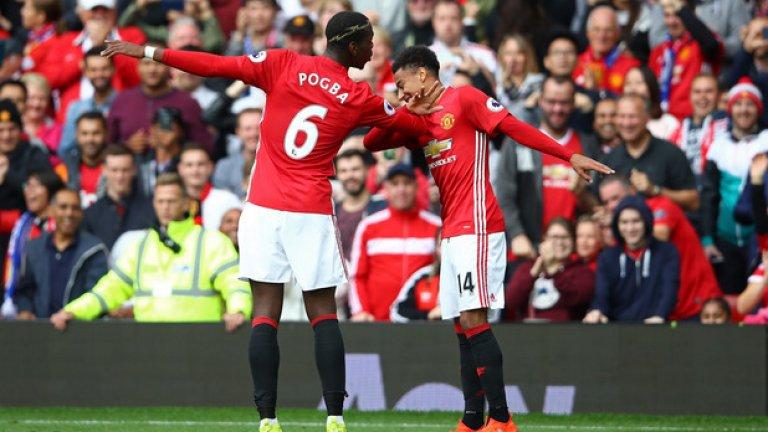 Манчестър Юнайтед – Лестър 4:1: Пол Погба празнува първия си гол за Манчестър Юнайтед в традиционния си стил с Джеси Лингард