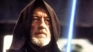 """Алек Гинес - """"Междузвездни войни""""  Класически пример за актьор, намразил филма си, е британецът Алек Гинес, изпитвал автентично презрение към Star Wars. Той редовно го наричаше """"онзи глуповат фантастичен филм"""" и """"глупава измислица"""", чийто диалог е някакво безкрайно """"дрън-дрън"""". Знаейки това, няма как да не погледнем с други очи на стария Оби-Уан Кеноби и на примиренческото му поведение в онзи дуел с Дарт Вейдър"""