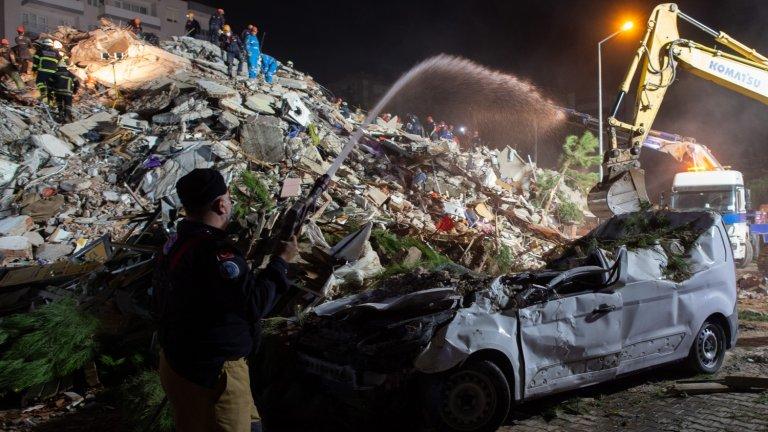 Земетресението не само отне животи, но и разруши имущество.