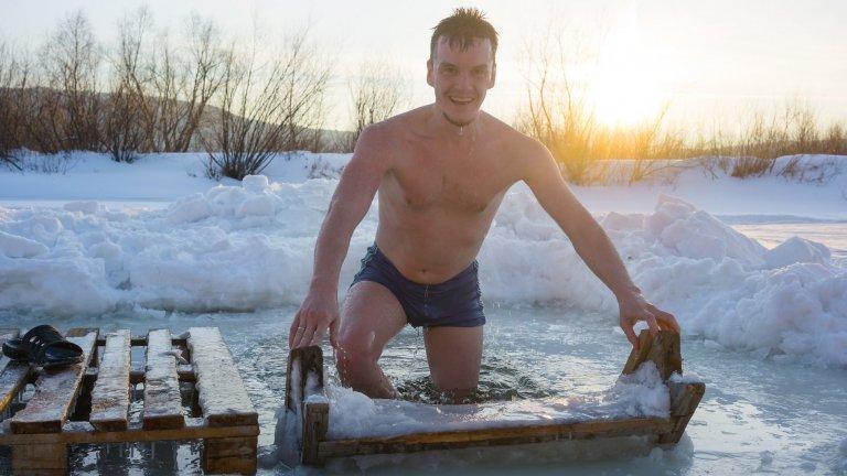Има един народ, който е доказан експерт и пионер по плуването в ледени води