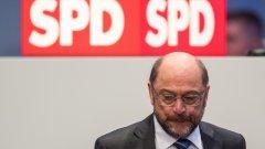Шулц каза, че това ще улесни преговорите с Ангела Меркел