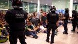 Протестиращи срещу присъдите на каталунските лидери се сблъскаха с полицията