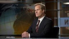 Тъмносиво, тъмносиньо и черно – това единствените цветове, които водещите в сериала Newsroom носят
