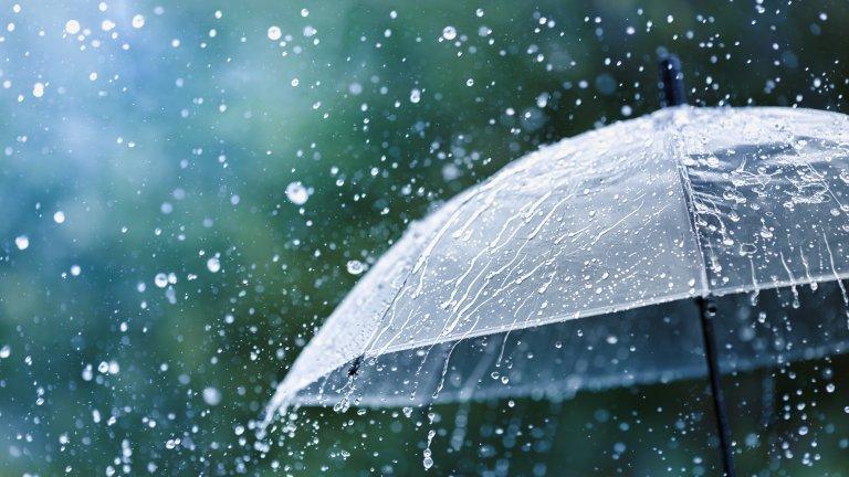 Още много дъжд, времето остава студено