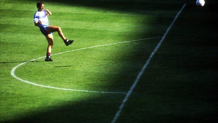 Треньорът на Барселона Йохан Кройф също загрява преди финала през 1992-ра срещу Сампдория. Може и това да е била тайната на първия успех на каталунците.