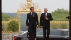 Двамата лидери се срещат за първи път