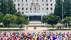 Фотографът Тейлър Пембъртън публикува в Инстраграм серия от фотографии от пътуването си до КНДР миналия месец