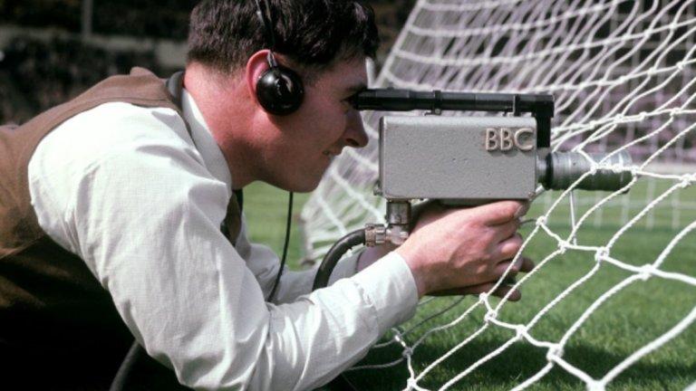 """Оператор на BBC по време на финала за КЕШ Милан - Бенфика през 1963-та на """"Уембли""""."""