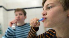 Има минимум две важни причини да се грижите за зъбите си