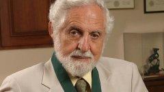 """В България проф. Джераси е член на БАН и носител на почетното звание """"Доктор хонорис кауза"""" на академията. Той е почетен доктор на близо 30 научни института по цял свят."""