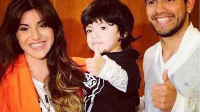 Джанина Марадона и Серхио Агуеро с техния син