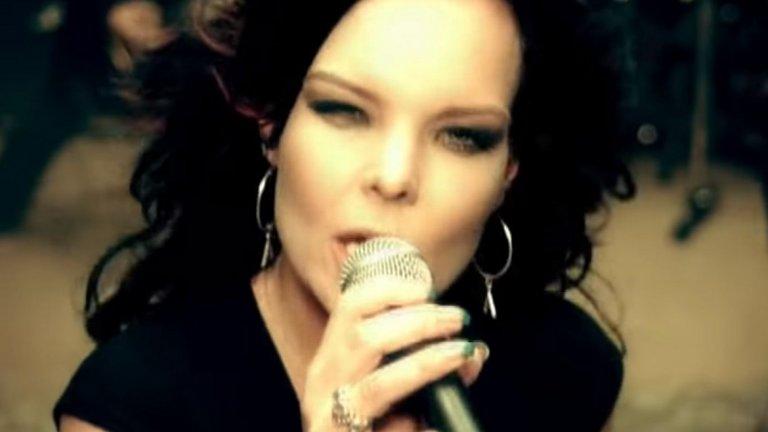 Nightwish (Анет Олсон) - Bye Bye Beautiful  Талантът на музикантите в Nightwish е неоспорим. Факт е обаче, че акцентът в бандата винаги е падал върху вокалистките. След Таря дойде Анет и макар някои фенове да не приеха добре промяната, за други гласът на шведката и новата посока в музиката на бандата бяха освежаващи.
