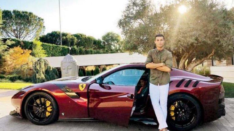 Роналдо низвергнат в Юве: Купува си Ferrari, докато другите тренират