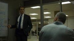 Втори сезон от сериала на Дейвид Финчър ще говори за времето, в което серийните убийци придобиват популярност, начело с Чарлз Менсън, когото Форд иска да срещне на всяка цена.