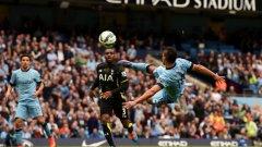 Нападател - Серхио Агуеро (Манчестър Сити). Аржентинецът води атаката на алтернативния отбор. В избрания от колегите му тим на върха на нападението са Хари Кейн от Тотнъм и Диего Коща от Челси. Агуеро има 22 гола в първенството, Кейн е с 20, а Коща - с 19.