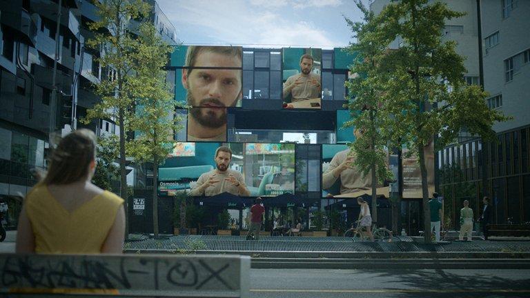 """Osmosis (Осмоза), 29 март  Френски вариант на """"Black Mirror"""", в който действието се развива в близкото бъдеще, в което приложенията за срещи събират самотници с техните сродни души, благодарение на събрана предварително информация."""