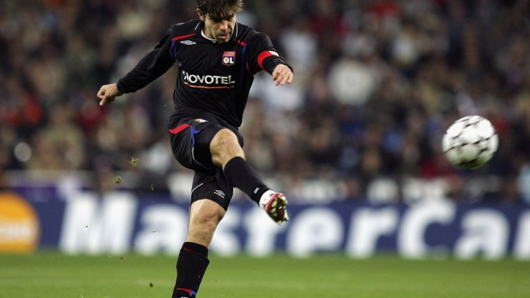 А най-невероятното около него беше, че го правеше в отбор като Лион. Отбор, който не успяваше да задържи звездите си. Отбор, който имаше потенциала да спечели дори Шампионската лига.