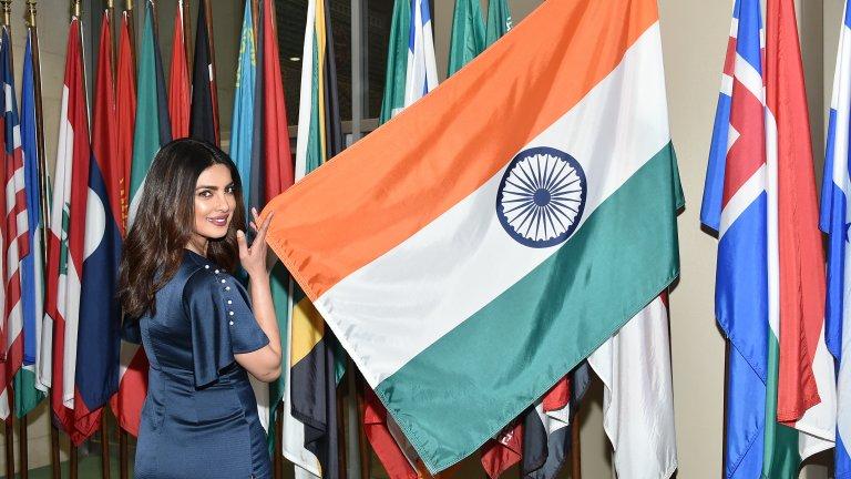 Може да се похвали с наградата Падма Шри  През 2016 г. индийското правителство отличава Чопра с едно от най-високите държавни отличия – наградата Падма Шри. Това е четвъртото най-престижно гражданско отличие на Индия и се присъжда всяка година в деня на националния празник. При получаването Приянка заявява, че изживява своята най-съкровена мечта и отново припомня, че не приема нищо за даденост, а се труди упорито за постиженията си.