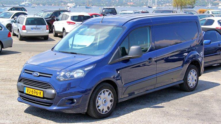 Ford Transit Connect Жалко е, че Ford вече не прави миниванове. Transit Connect от 2018 г. обаче комбинира най-доброто от два свята: той има 2.0L 4-цилиндров двигател и 150 конски сили. Осемстепенна автоматична трансмисия и огромен товарен капацитет: този Transit е сред най-великите модели на Ford въпреки липсата на спортен чар и дързост.