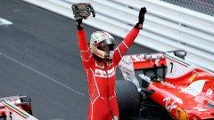 След двойната победа на Ферари Фетел поведе на Хамилтън с 25 точки в класирането