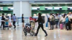 Трудно е да си патриот, когато чакаш с други българи на летището в Болоня