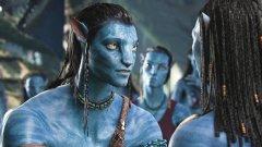 Защо кожата на на'ви е синя? Режисьорът Джеймс Камерън разказва, че майка му е имала сън за високо синьо създание.