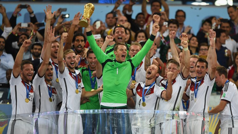 С Mercedes за спонсор Германия спечели три световни и три европейски титли.