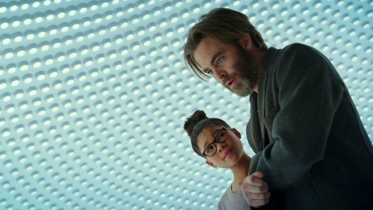 """Д-р Александър Мъри в """"Гънка във времето"""" (A Wrinkle in Time, 2018 г.)  Пайн тук играе изчезналия баща на главната героиня - малко момиче, което тръгва да го търси с помощта на необикновени помощници. На русия и синеок актьор сякаш му върви на филми на """"Дисни"""", дори когато кариерата му вече е на по-високи обороти. """"Гънка във времето"""" обаче е от онези продукции, които по-скоро изглеждат като лесни пари за Пайн, отколкото като нещо във филмографията му, с което да се гордее."""