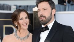 Звездната двойка вече е финализирала развода си - 3 години след като официално обявиха, че се разделят.